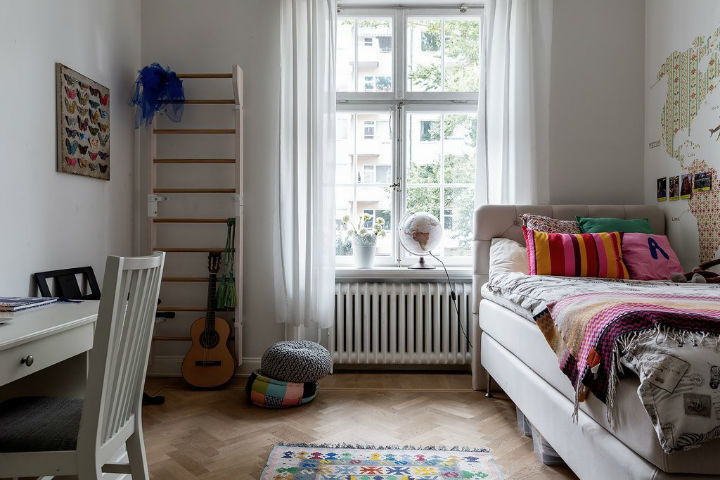 simple Scandinavian kids room