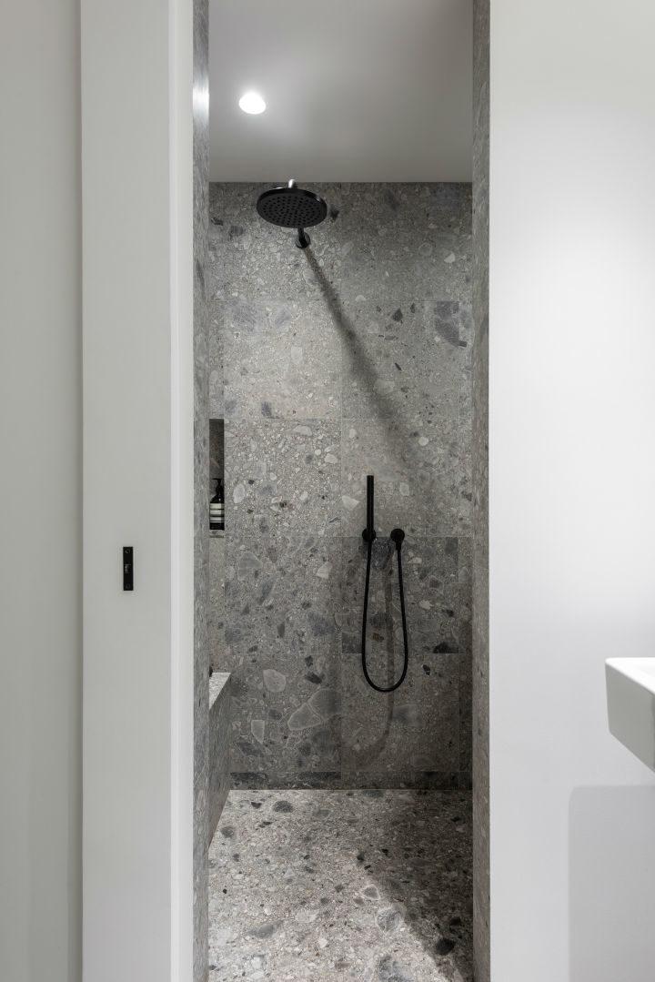 bathroom in grey shades