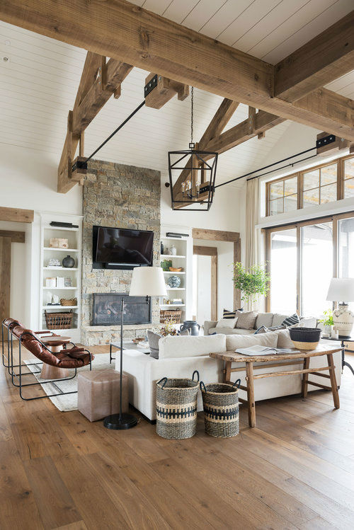 Classic Cozy Mountain Lake House 20
