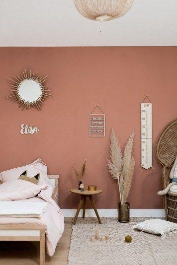 special mirror design in bedroom