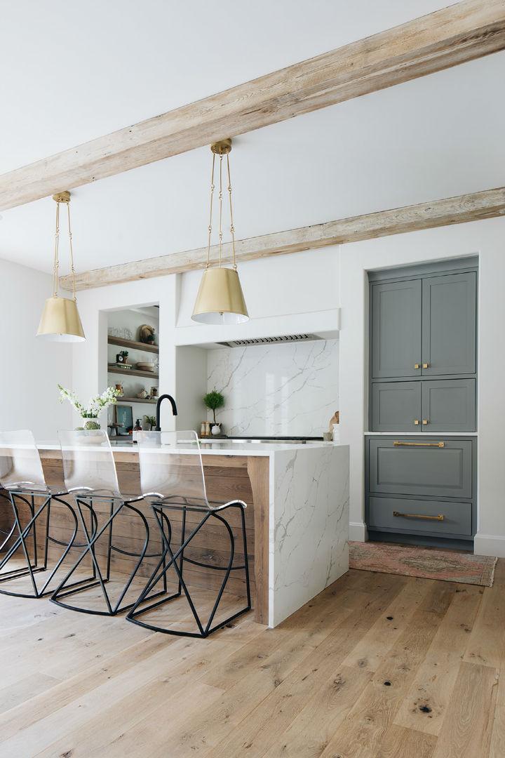 modern English farmhouse kitchen design