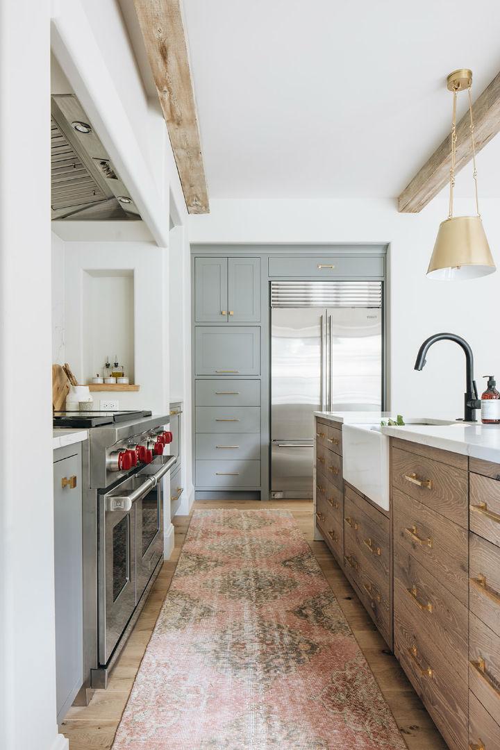modern English farmhouse kitchen design 2