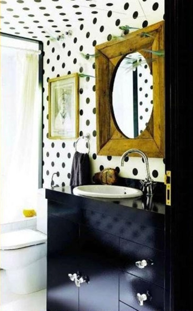 bold polka dots bathroom design