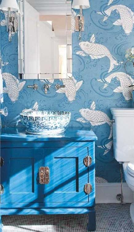 fish and water bathroom wall