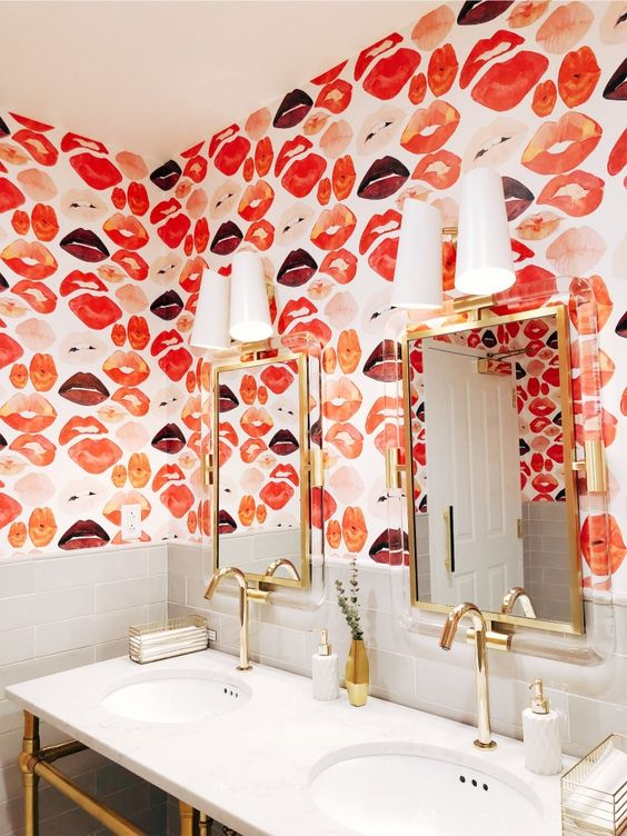 bold bathroom design with lips