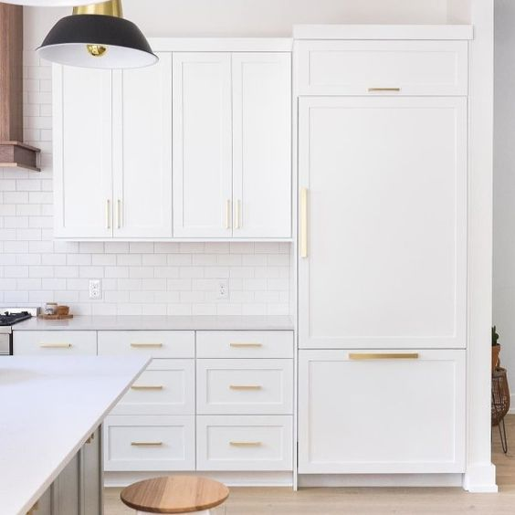 all white kitchen decorating trend to avoid