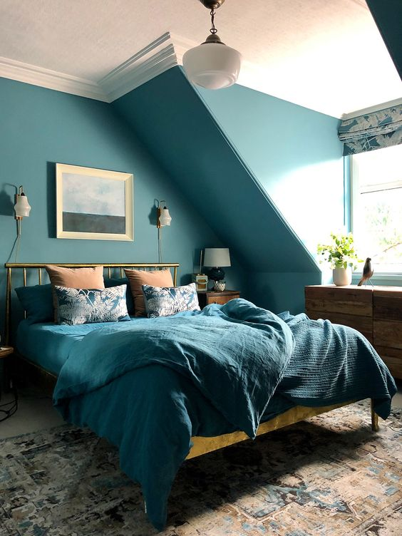 teal decor in bedroom