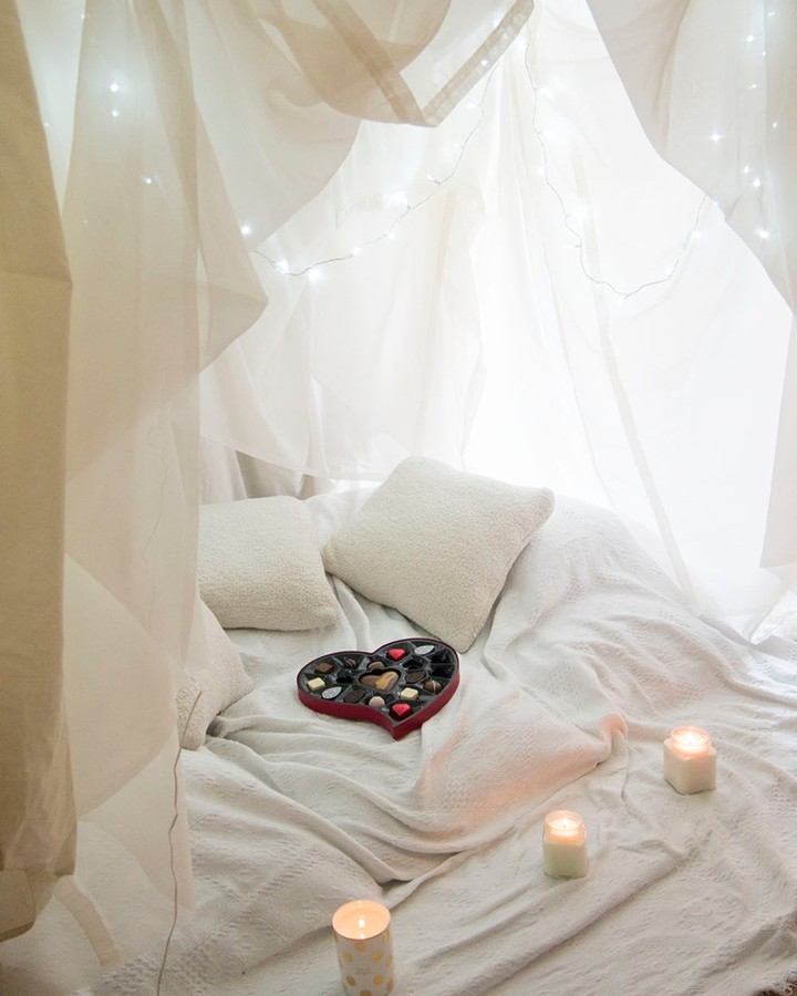 valentine's day room ideas with candles