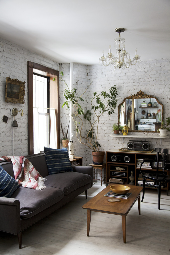 Small Space Inspiration: Transforming A Home Into An Airy Paradise