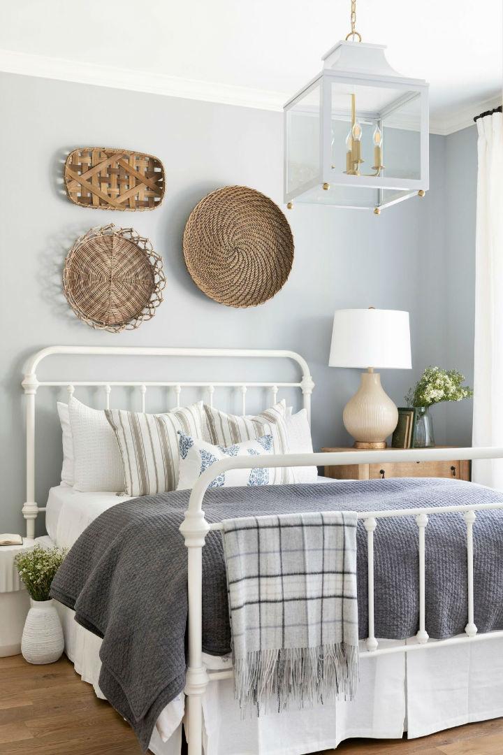 beautiful pastel colors in bedroom