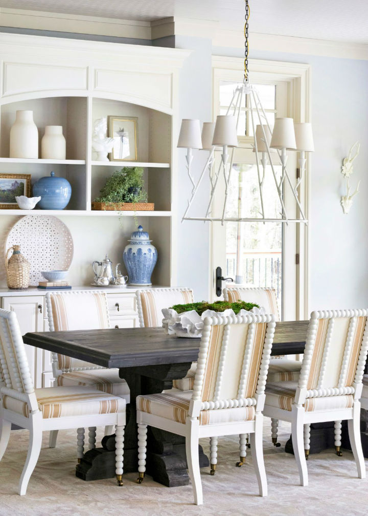 pastel colors in dining area