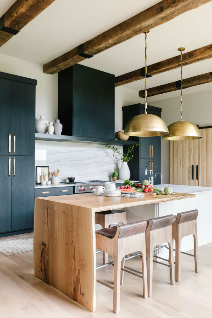 beautiful and inviting kitchen area