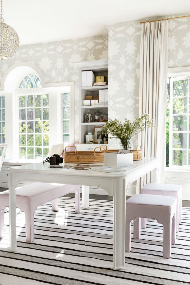 beautiful white sitting area