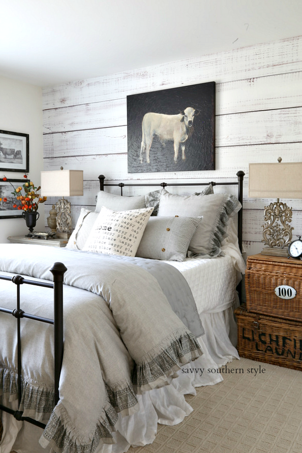 country cottage style bedroom decor idea