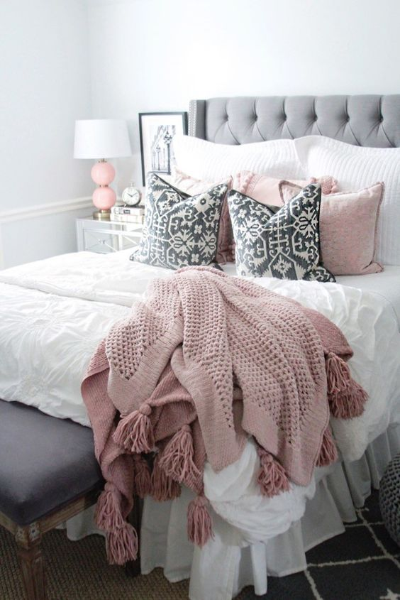 light pink bed rug
