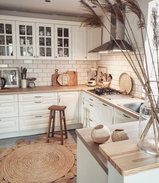How To Decorate A Kitchen On Budget