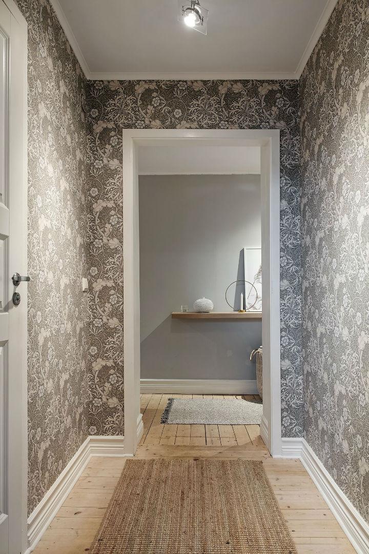 white flowers as wallpaper