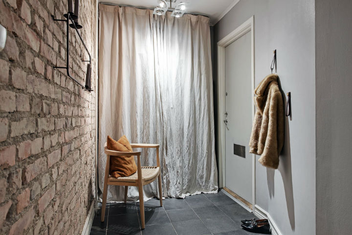 exposed bricks in home interior to live in style