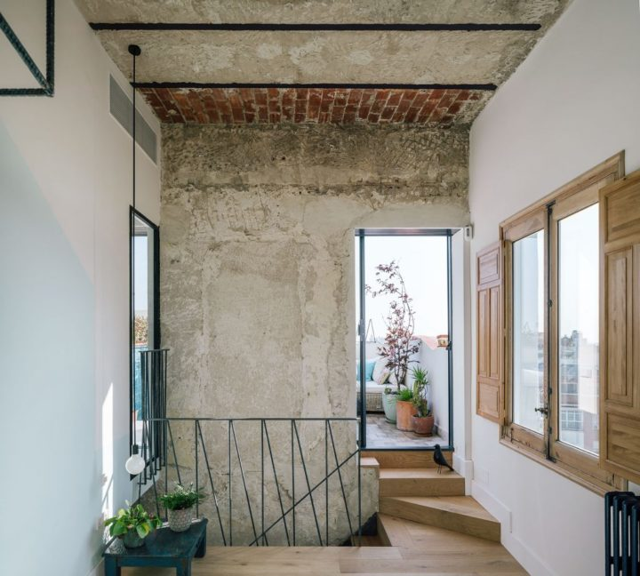 exposed bricks in wall decor