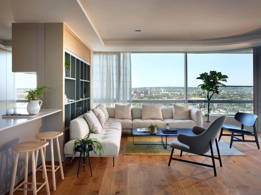 Light-Filled Contemporary Apartment With Amazing London View 1