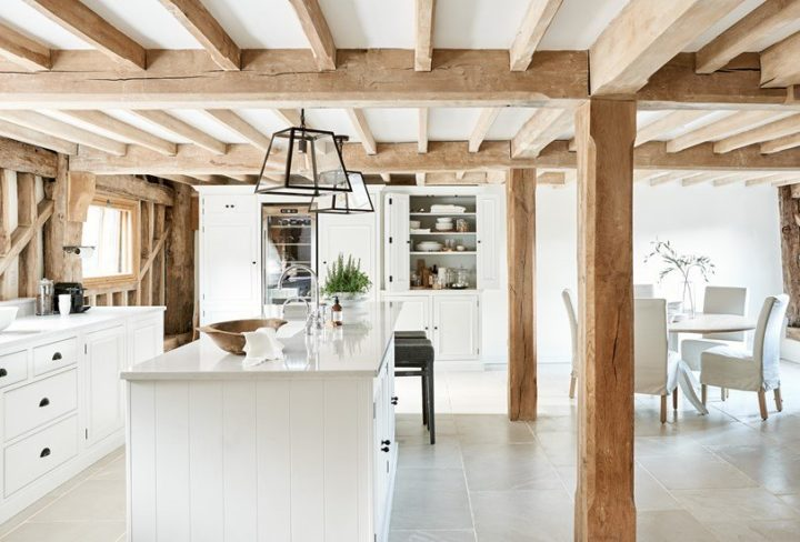 Traditionally Made Timeless Timber Κitchen Design