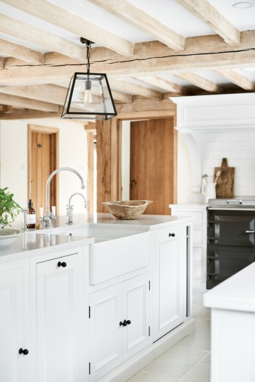 Traditionally Made Timeless Timber Κitchen Design 15