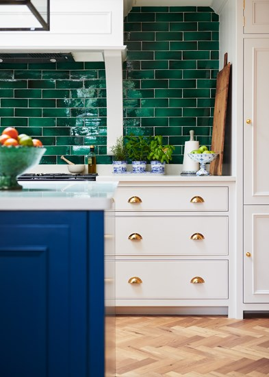 Traditional Kitchen with green stone wall
