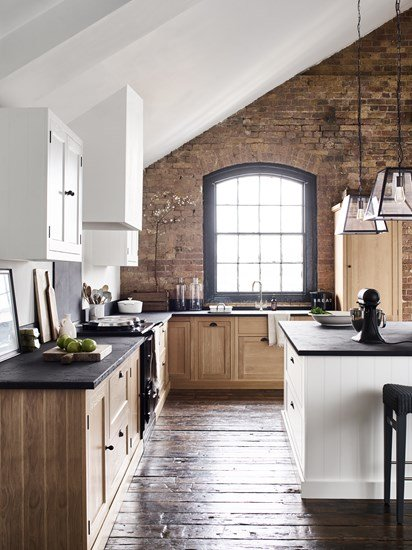 Beautiful kitchen with white roof