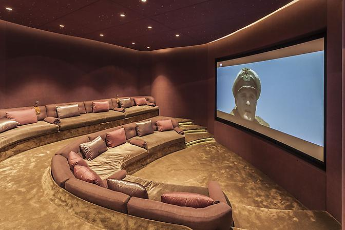 home cinema picture in eclectic design
