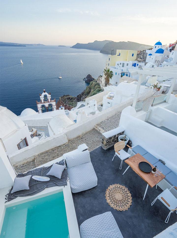 Paint Your Memories On Canvas Suites Santorini