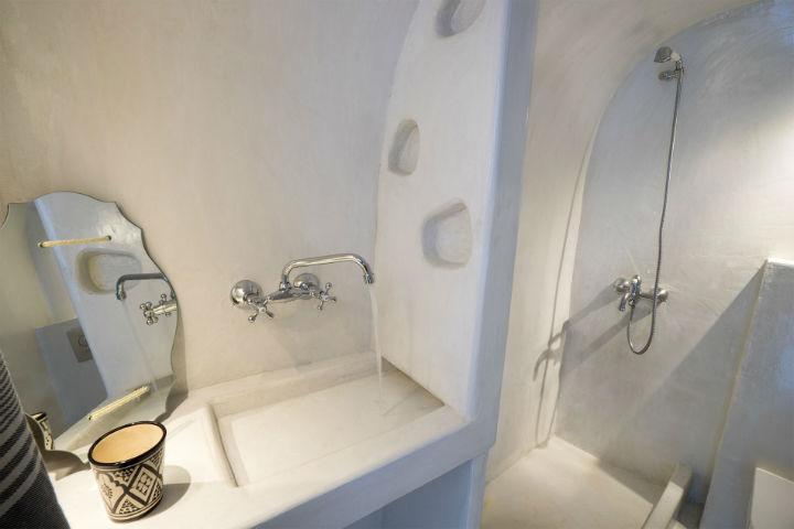 traditional concede bathroom