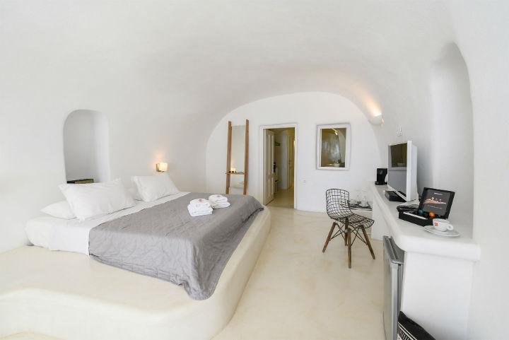 Canvas Suites Santorini Greece 23