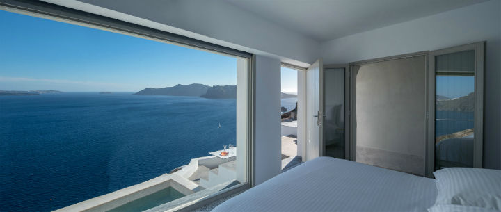 Echoes Luxury Suites in Oia Santorini 16