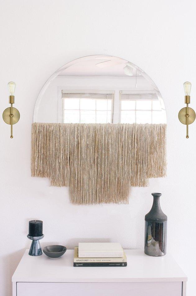 Idée de décoration murale d'entrée miroir à franges