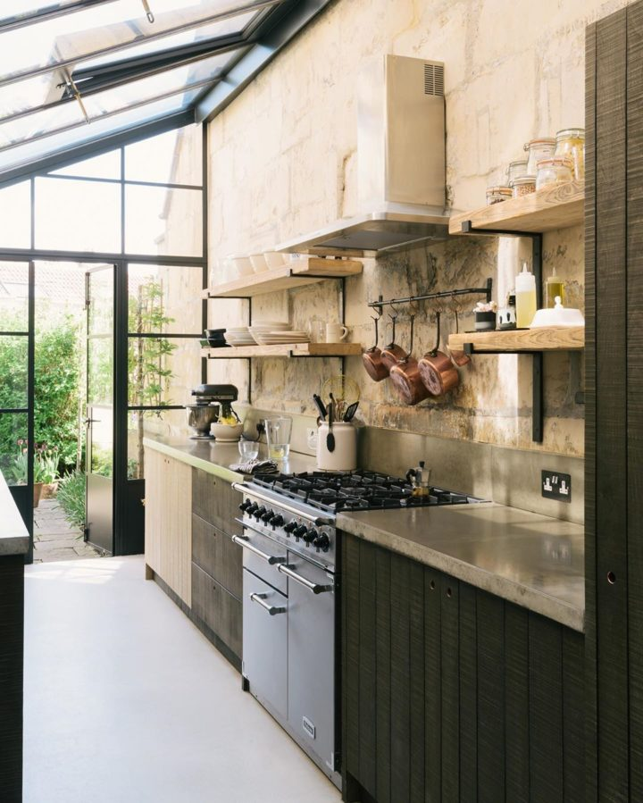 earthy colors above cooker