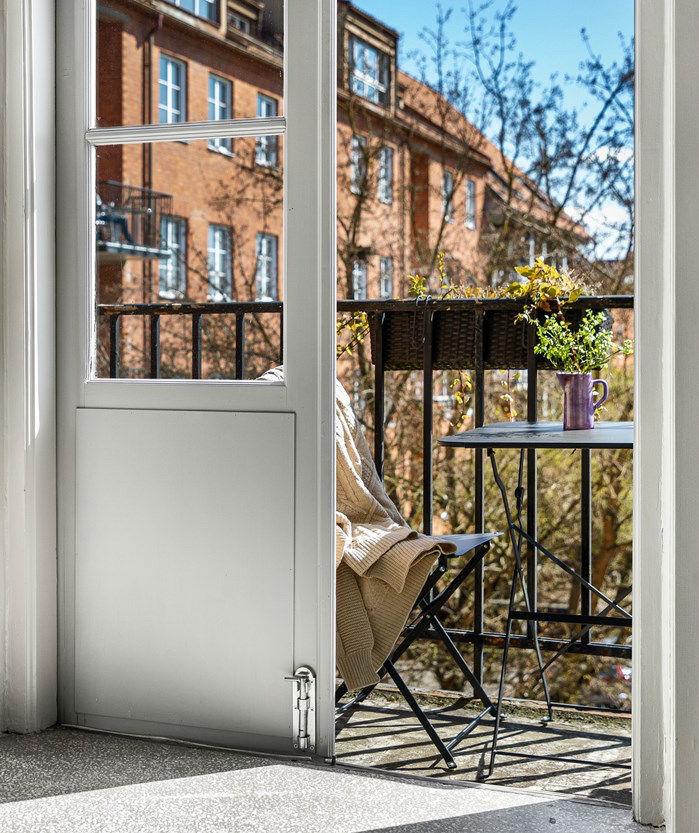 balkon Skandinavia sederhana kecil