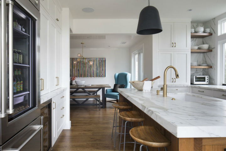 timeless white and wood kitchen with black lighting