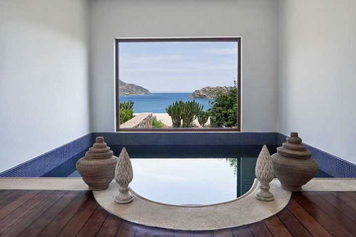 Blue Palace resort in Crete 6