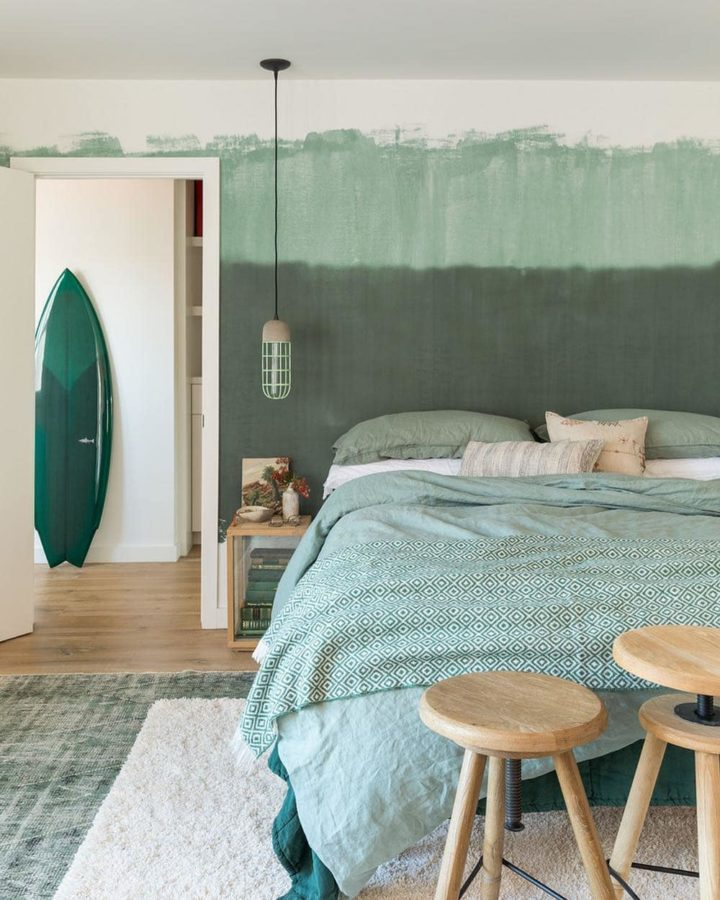 green bedroom