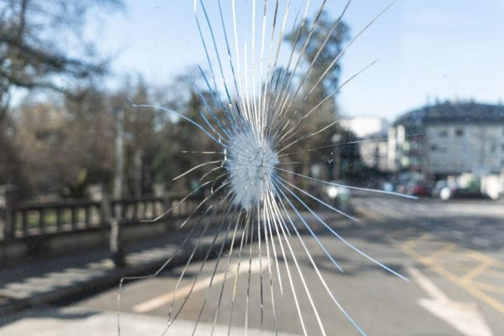 acrylic vs glass windows