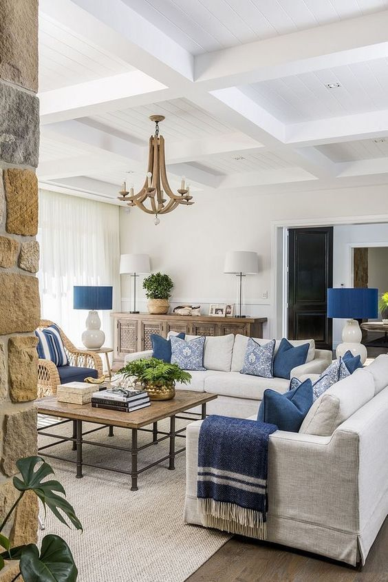 Cream and navy blue living room color scheme idea