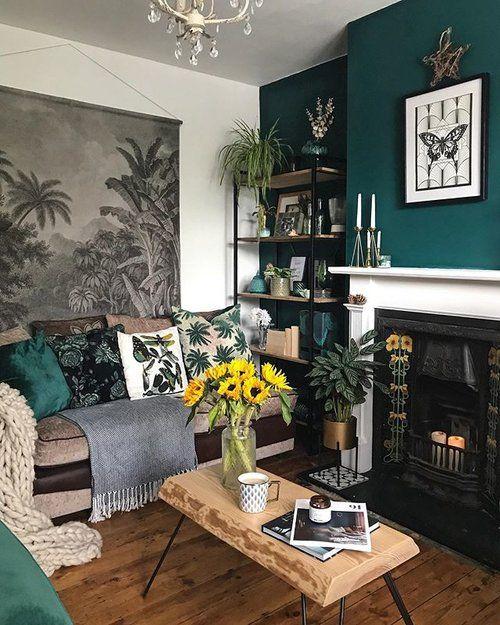 Green and cream living room color scheme idea