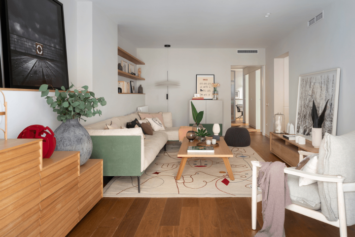 Fresh Yet Warm Apartment In Barcelona 2