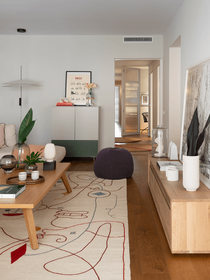 Fresh Yet Warm Apartment In Barcelona 5