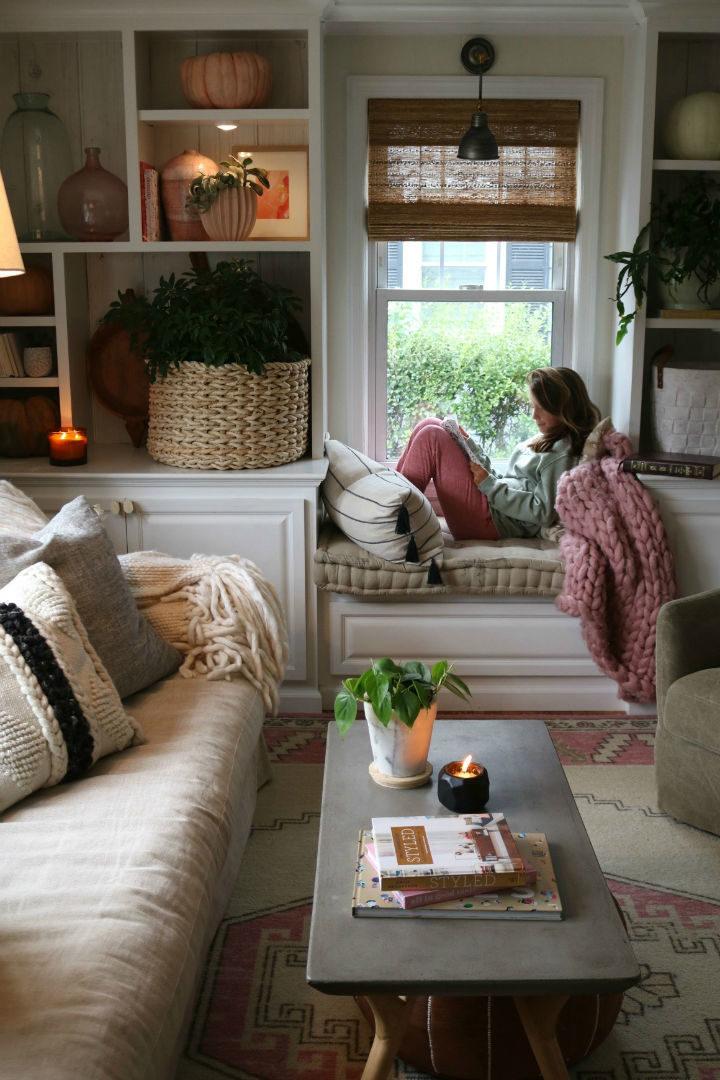 The Best Living Room Decorating Ideas Under Windows ...