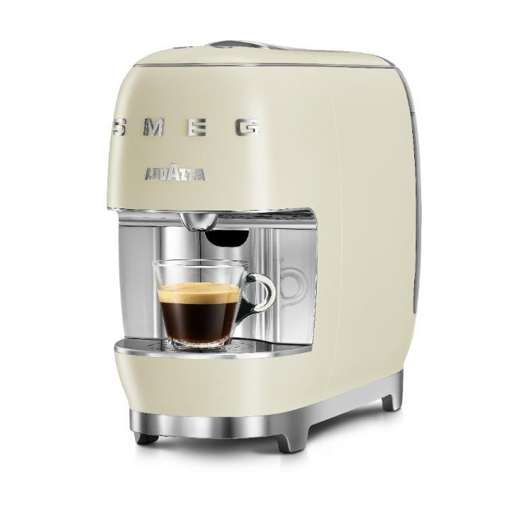 Lavazza A Modo Mio SMEG design stylish coffee machine 2