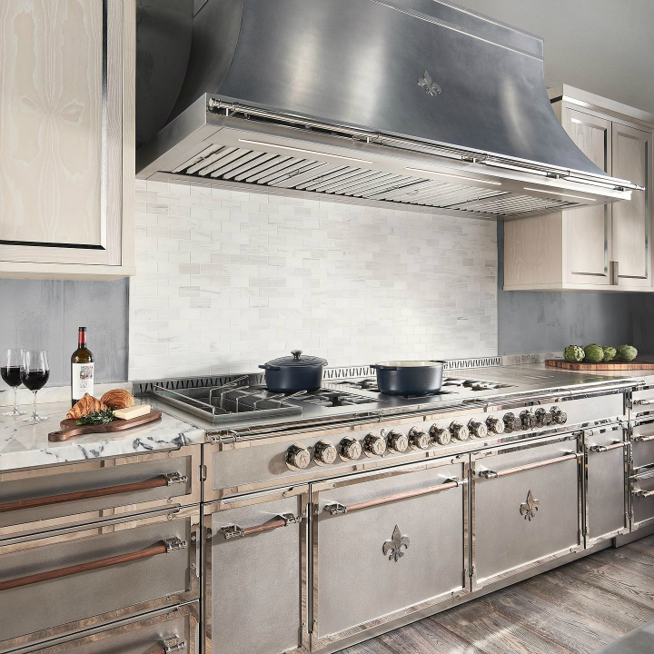 Parisian style kitchen design idea 16