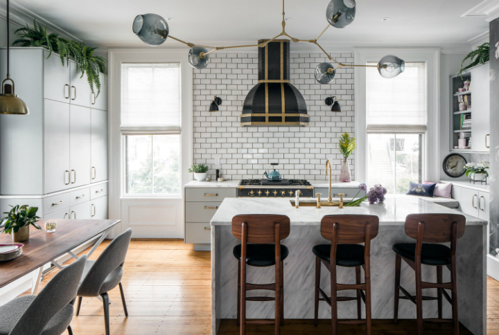 Interiors With Expressive Color and A Modern Mix Of Eclectic Style