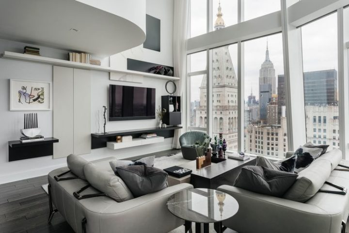 A Minimalistic New York City Apartment With a Breathtaking View