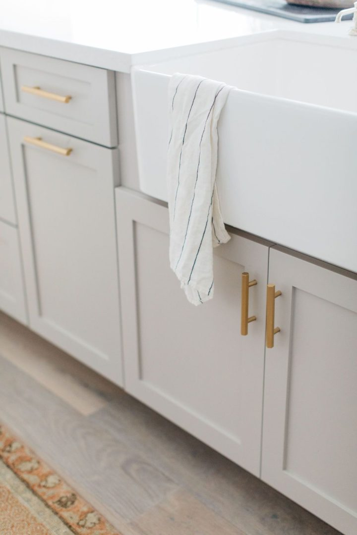 3 Reasons To Choose Greige Kitchen Cabinets